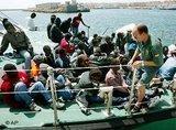 مهاجرون على الحدود الأسبانية، الصورة أ ب