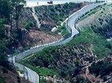 الحدود بين المغرب ومدينة سبتة الإسبانية، الصورة أ ب