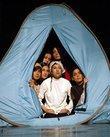 النساء في الخيام، مشهد من المسرحية، الصورة: زهرة سليماني