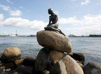 تمثال عروسة البحر الصغيرة في كوبنهاغن، الصورة: أ ب