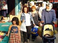 مسلمون في حي كرويتسبرغ في برلين، الصورة: د ب أ