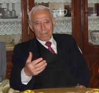 المفكر السوري الطيب التيزيني في مكتبه، الصورة: سعيد سمير