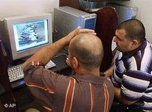 الإنترنت أداة متعددة الأغراض للتواصل، الصورة: أ.ب