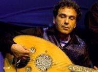 العازف ربيع أبو خليل، الصورة: أ.ب
