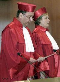قضاة في المحكمة الدستورية الألمانية، الصورة: أ.ب