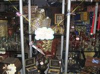 أحد المحلات التجارية العربية في برلين وقد زين بالسلع الرمضانية