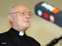 الصورة الثالثة: الأسقف روبرت تسوليتش، رئيس مؤتمر الأساقفة الألماني، الصورة: ا.ب