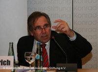الدكتور بيتر غوبرفيش، ممثل غرفة التجارة والصناعة الألمانية في دبي