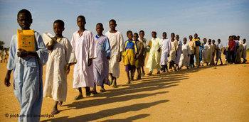 معاناة أهل دارفور