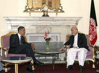 أوباما في زيارة لأفغانستان قبل انتخابه رئيسا، الصورة: ا.ب