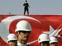 الجيش التركي يحتفل بيوم الجمهورية في اسطنبول، الصورة: أ.ب