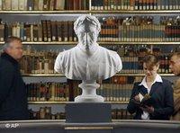 في احدى المكتبات الألمانية، الصورة: ا.ب