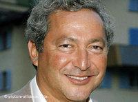 أغنى رجل في مصر: رجل الأعمال سميح ساويرس