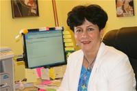 الطبيبة الفلسطينية حاملة جائزة نوبل للأطفال، جمانة عودة: الصورة: مهند حامد