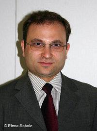 بولينت أوكار أستاذ التربية الدينية الإسلامية في أوزنابروك