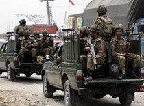 Pakistani military on the way to the Swat Valley (photo: AP)