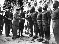 تشرتشل يتفقد جنود من الهند في صفوف القوات البريطانية في طهران، الصورة أ ب