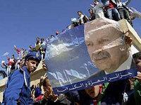 الجزائريون يحتفلون بفوزهم في الخرطوم، الصورة أ ب