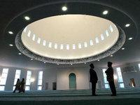أحد مساجد لندن، الصورة ا.ب