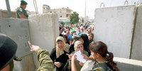 الحواجز العسكرية الإسرائيلية في الأراضي الفلسطينية، الصورة: د.ب.ا