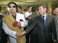 ساركوزي والقذافي، الصورة أ.ب