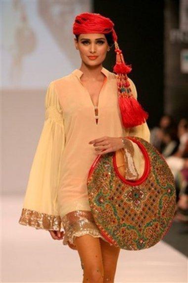 أسبوع الموضة في كراتشي 2009، الصورة د.ب.أ