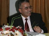 ، الصورة دويتشه فيله أستاذ العمل الاجتماعي في الجامعة الأردنية فواز أيوب المومني