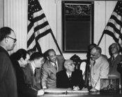 وزير خارجية إيران الأسبق 1951 في زيارة لأمريكا الصورة ويكيبيديا