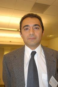 نادر هاشمي، الخبير بشؤون الشرق الأوسط، الصورة خاص