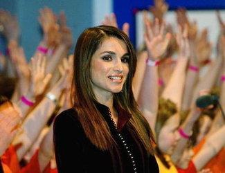 الملكة رانيا الصورة د ب ا
