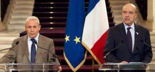 برهان غليون خلال لقاء مع وزير الخارجية الفرنسي ألان جوبيه في باريس