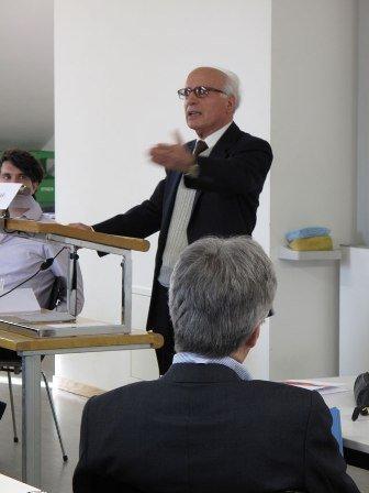 ناصيف نصار خلال محاضرة له في جامعة زيوزيخ السويسرية، الصورة جامعة زيوريخ