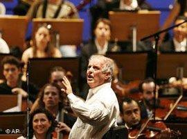 الموسيقار الإسرائيلي بارنبيويم