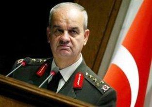 رئيس الأركان السابق الجنرال إلكر باشبوغ   الصورة ا