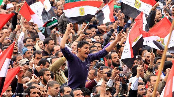 ميدان التحرير القلب النابض للثورة المصرية، الصورة د ب ا