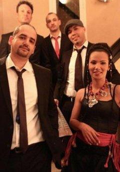 مغنية الفيوجن المغربية