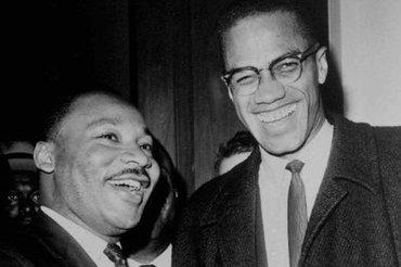 Malcolm X (rechts) mit Martin Luther King, Washington 1964; Foto: AP/Henry Griffin