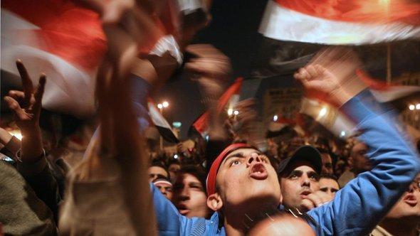 ميدان التحرير قلب الثورة المصرية، الصورة أي .ي