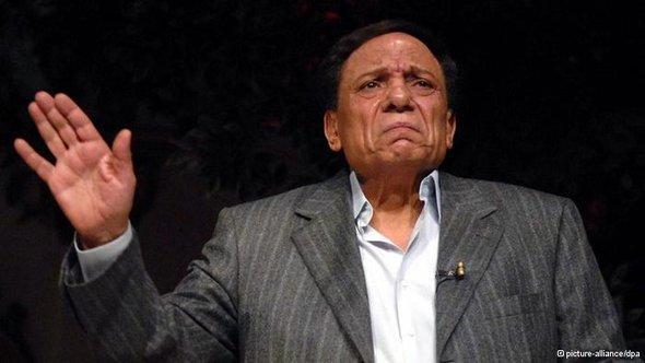 أعمال النجم المصري عادل إمام المسرحية والسينمائية تقابل بانتقادات شديدة من إسلاميي مصر