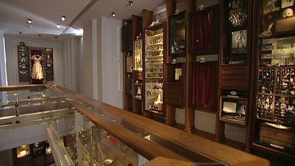 The interior of Orhan Pamuk's museum (photo: Aygül Cizmecioglu)