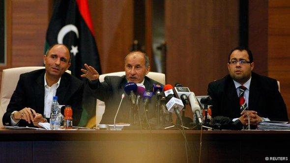 رئيس المجلس الانتقالي مصطفى عبد الجليل يؤكد بقاء الحكومة إلى حين إنجاز الانتخابات