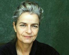 الكاتبة والصحافية الألمانية المعروفة شارلوته فيديمان
