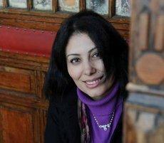 الكاتبة المصرية المعروفة منصورة عز الدين