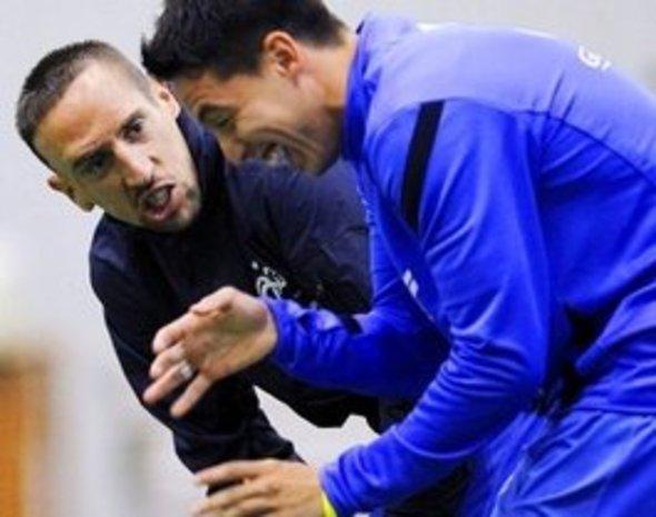 نجم المنتخب الفرنسي لكرة القدم سمير نصري مع ريربي نجم بايرن ميونيخ، د ب ا