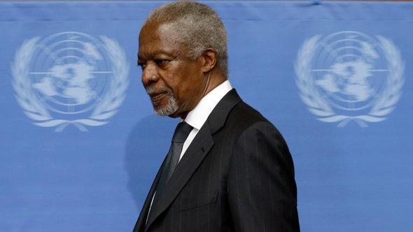 Kofi Annan arriving at the UN in Geneva to announce his resignation as UN-Arab League joint special envoy to Syria (photo: Reuters)