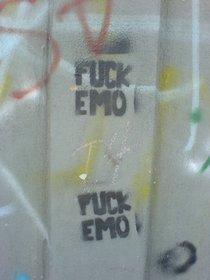 Anti-Emo graffito (photo: Gabriel Flores Romero/Wikipedia)