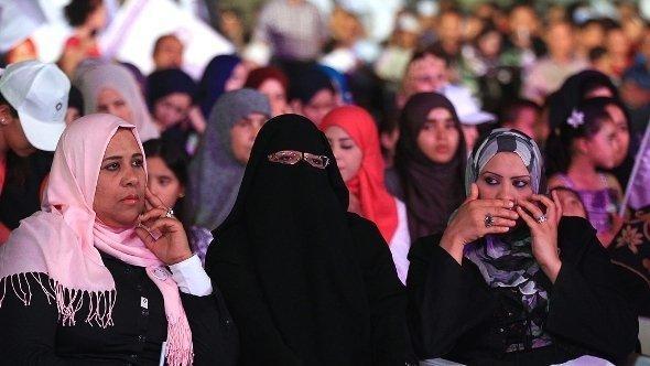 انصار حزب الوطن في طرابلس الصورة د ب ا