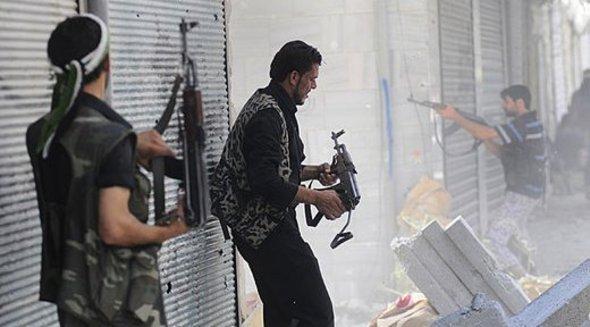 المقاتلون المعارضون للنظام في حلب، أ ب