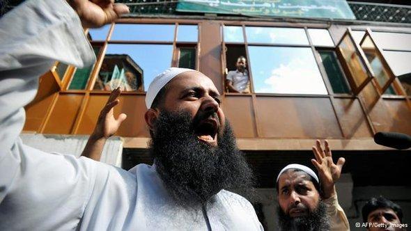 نجحت الحركات السلفية في فرض عناوينها على سياسات الحركات الإسلامية