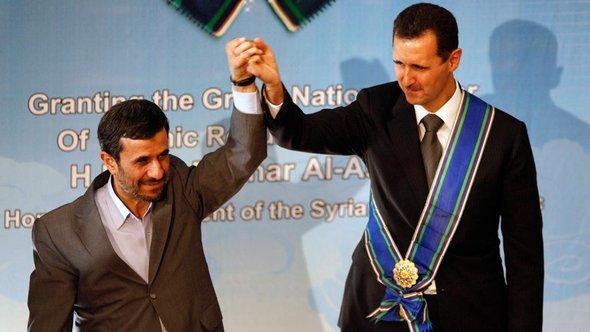 بشار الأسد وأحمدي نجاد ، أ ب